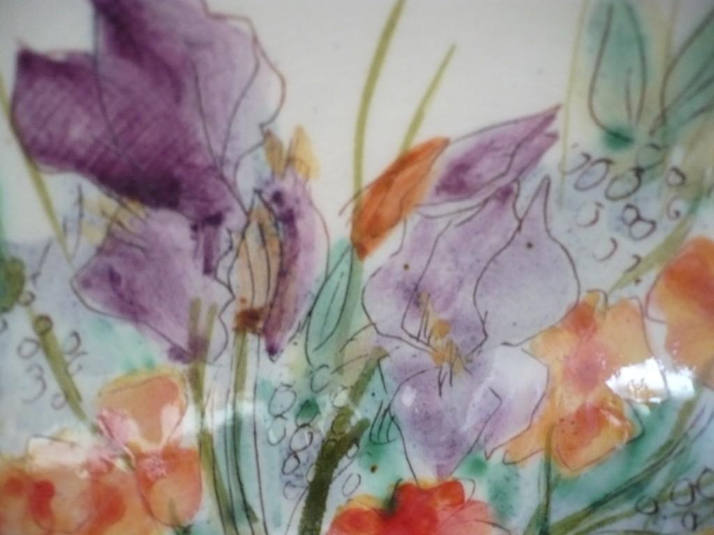 terre vernissée coupelle au bouquet d'iris